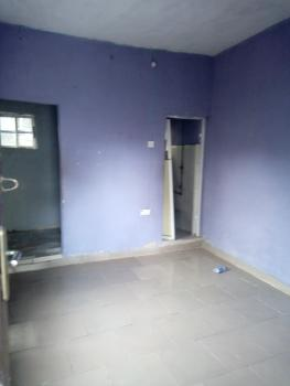 a Lovely Big Roomself Con @ Onike Close to Unilag Yaba Lagos., Onike, Yaba, Lagos, Flat for Rent