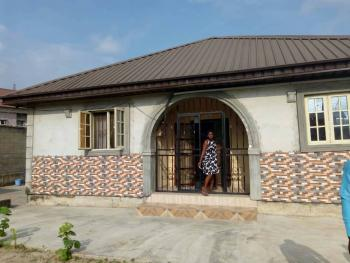 Lovely 3 Bedroom Detached  Bungalow, Soluyi, Gbagada, Lagos, Flat for Rent