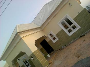 3 Bedroom Apartment, Penthouse Estate Lugbe, Lugbe District, Abuja, Flat for Rent