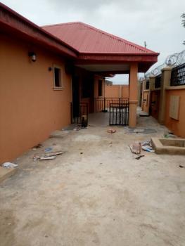 3 Bedroom, Ogungbade, Alakia, Ibadan, Oyo, Flat for Rent