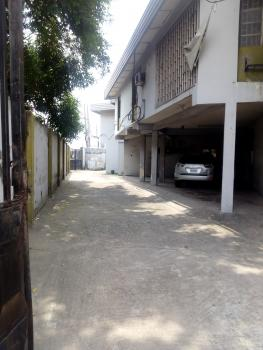a Rooms Office Space Upstairs, on Ogunlana Drive, Ogunlana, Surulere, Lagos, Office Space for Rent