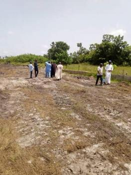Land in a Luxurious Estate, Berry Road, Off Monastery Rd, Sangotedo, Ajah, Lagos, Mixed-use Land for Sale