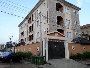 All Rooms En Suit 2 Bedroom, Simpson Street, Adekunle, Yaba, Lagos, Flat for Rent