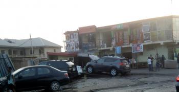 Busy Car Wash, Mushin Road, Ishaga-isolo, Ire Akari, Isolo, Lagos, Plaza / Complex / Mall for Sale