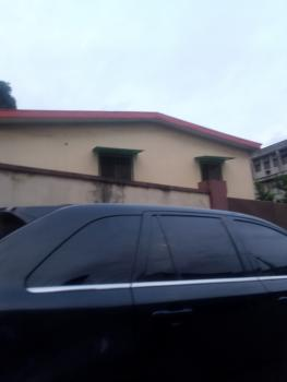 Spacious 3 Bedroom Upstairs, Bode Thomas, Surulere, Lagos, Flat for Rent
