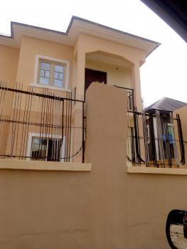 Newly Renovated All Rooms En Suit, Off Babs Animashaun, Bode Thomas, Surulere, Lagos, Flat for Rent