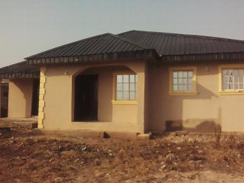 Mini Flat, No 1, Fourth Avenue, Oga Oloye Phase 2, Igbogbo, Ikorodu, Lagos, Mini Flat for Rent