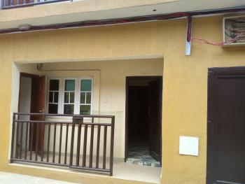Lovely 3 Bedroom Flat, Shomolu, Lagos, Flat for Rent