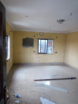 Spacious 3 Bedroom Flat, Ishadare Street, Olorunsogo Area, Mushin, Lagos, Flat for Rent