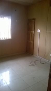 3 Bedroom Ensuite Upstairs Flat, Olorunda Estate, Ogudu- Alausa Expressway, Alapere, Ketu, Lagos, Flat for Rent