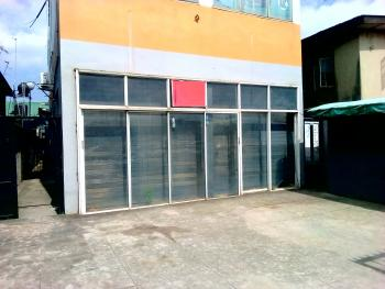Shop/warehouse (measuring 155 Sqm), Along Oworonshoki, Kosofe, Lagos, Shop for Rent