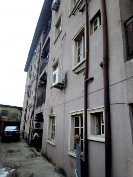 Spacious Mini Flat Upstairs, Off Aborisade Street, Lawanson, Surulere, Lagos, Mini Flat for Rent