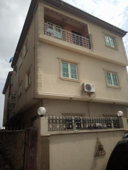 Executive 2 Bedroom Flat Upstairs, Off Oworo Road, Oworonshoki, Kosofe, Lagos, Flat for Rent