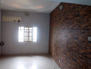 a Lovely and Good 2 Bedroom Flat En Suite, Issac John Street, Jibowu, Yaba, Lagos, Flat for Rent
