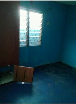 Well Maintained Mini Flat, Onike, Yaba, Lagos, Mini Flat for Rent