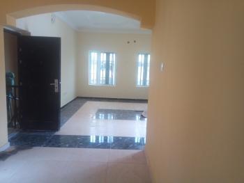Three (3) Bedroom Apartment, Kolapo Ishola Gra Estate, General Gas Road, Ibadan, Oyo, Flat for Rent