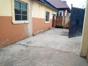 a Lovely Cheap Roomself Con @ Onike Close to Unilag Second Gate Lagos., By Unilag Second Gate, Yaba, Lagos, Flat for Rent