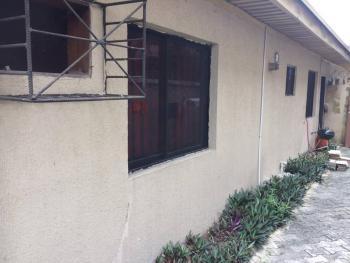 2 Bedroom Bungalow, Off Admiralty, Lekki Phase 1, Lekki, Lagos, Flat for Rent