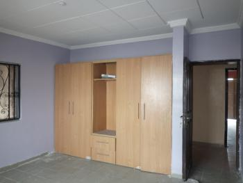 Clean and Spacious 3 Bedroom Flat Upstairs (newly Renovated), Ikate Elegushi, Lekki, Lagos, Flat for Rent