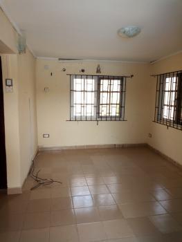 2 Bedroom Flat, Alagomeji, Yaba, Lagos, Flat for Rent