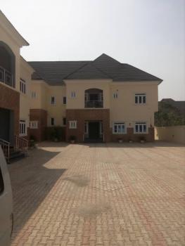 Luxury 4 Bedroom Flat with Bq, Guzape District, Abuja, Flat for Rent