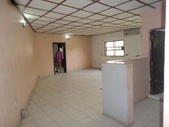 Top Floor 2 Bedroom, Zone 6, Wuse, Abuja, Flat for Rent