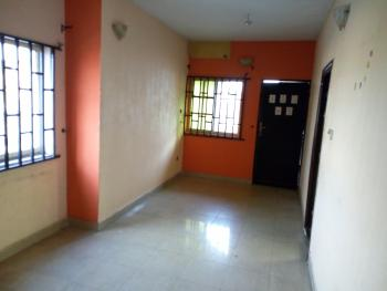 a Lovely Clean 3br Flat @ Adekunle By Third Mainland Mainland Yaba Lagos., By Third Mainland, Adekunle, Yaba, Lagos, Flat for Rent