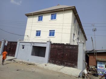 3 Bedroom Flat En Suit, Off Ogunsami Street, Ijesha, Surulere, Lagos, Flat for Rent