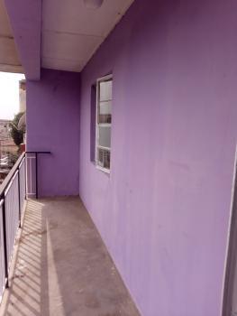 Renovated Spacious 3 Bedroom Upstairs, Off Ojuelegba Road, Ojuelegba, Surulere, Lagos, Flat for Rent
