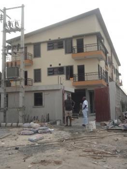 2 Bedroom Flat, (right Hand Side), Lekki Phase 1, Lekki, Lagos, Flat for Rent