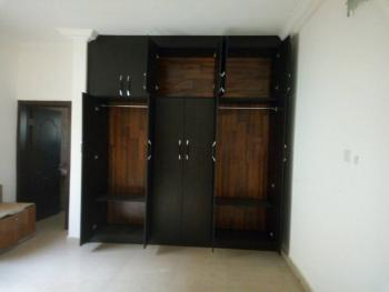 Well Renovated 4 Bedroom  Flat with 1 Room Self Contained Bq with Gen, Wuse 2, Abuja, Flat for Rent