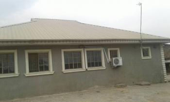 Distress Sales of 3 Bedrooms with 2 Sitting Rooms Bungalow Plus All Items Inside, Challenge, Ibadan, Oyo, Detached Bungalow for Sale