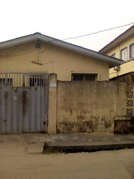 4 Bedroom Bungalow, Off Ogunlana Drive, Ogunlana, Surulere, Lagos, Detached Bungalow for Sale
