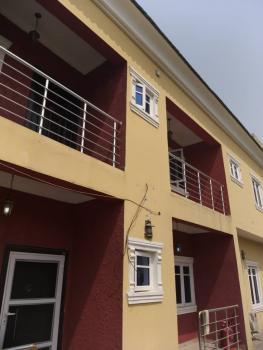 Excellent 3 Bedroom Flat (self Serviced), Oral Estate, 2nd Tollgate, Lekki Phase 2, Lekki, Lagos, Flat for Rent