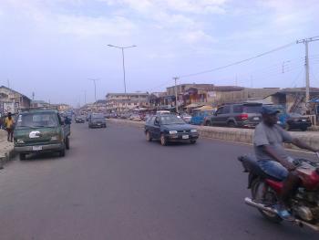 a Plot of Land Facing Main Road  at Ogoluwa Area, Osogbo, Gbangon/ibadan Main Road,  Ogoluwa Area, Osogbo, Osogbo, Osun, Land for Sale