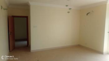 3 Bedroom Flat in an Estate, Lekki Phase 1, Lekki, Lagos, Flat for Rent