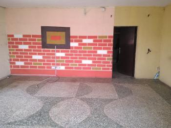 2 Bedroom Apartment, Community Rd, Akoka, Yaba, Lagos, Flat for Rent