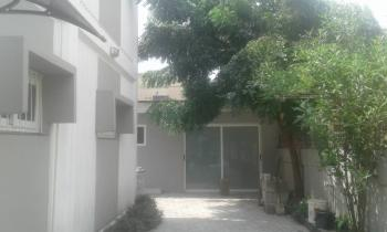 a Serviced Three 3 Room Office Space with a/cs with Light, Corporation Drive, Dolphin Estate, Ikoyi, Lagos, Office Space for Rent