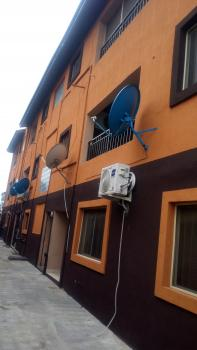 Super and Executive 3 Bedroom Flat, Aturashe Street, Off Ishaga Road Via ( Luth), Ojuelegba, Surulere, Lagos, Flat for Rent