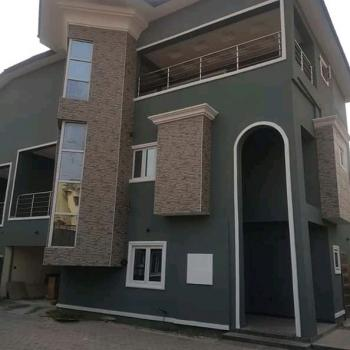 5 Bedroom Duplex+mini Flat Bq+gate House on 750sqm Land, Alalubosa, Ibadan, Oyo, Detached Duplex for Sale