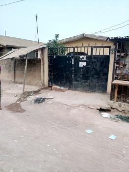 2 Bebroom Bungalow with Bq and Shop, Sauka Kauta, Lugbe District, Abuja, Detached Bungalow for Sale