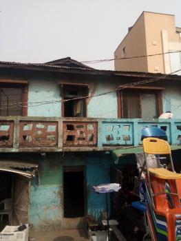 Old Building, Ikorodu Rd By Fadeyi Bus Stop, Fadeyi, Shomolu, Lagos, Detached Duplex for Sale