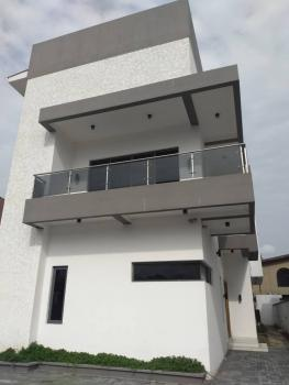 Contemporary 5 Bedroom Family Home With Swimming Pool. , 5 Bedroom Detached Duplex For Sale, Lekki, Lagos