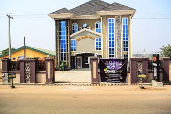 an Ultramodern 5:star Hotel, Off Unity Road, By Cocacoka Street, Ilorin South, Kwara, Hotel / Guest House for Sale