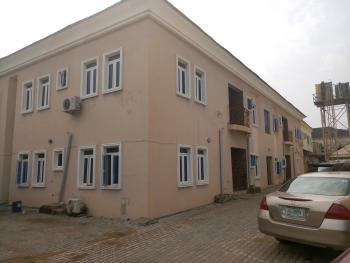 3 Bedroom Flat, Upstairs, in a Secured Estate, Ikota Villa Estate, Lekki, Lagos, Flat for Rent