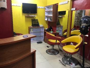 Beauty Salon/make Up Studio, Ikate Elegushi, Lekki, Lagos, Office Space for Rent