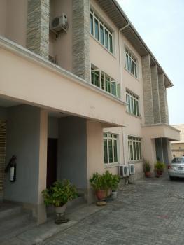3bedroom Terrace  in Lekki Phase 1, Lekki Phase 1, Lekki Phase 1, Lekki, Lagos, Terraced Duplex for Rent