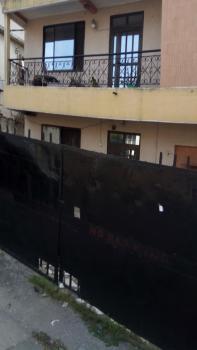 Nice Building with 6 Apartments, Simisola Street, Ogunlana, Surulere, Lagos, Detached Duplex for Sale