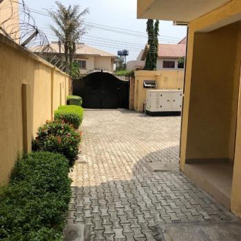 Single Room Self Contained, Oyeye Street, Lekki Phase 1, Lekki, Lagos, House for Rent