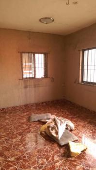 a Fairly Used Spacious and Well Ventilated Mini Flat, Ebute Metta East, Yaba, Lagos, Mini Flat for Rent